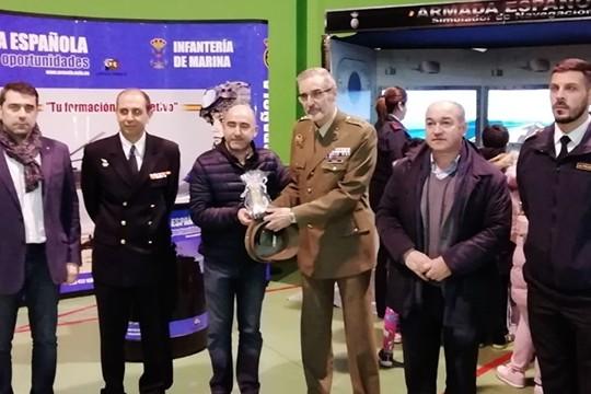 Exitosa xornada de presentación e exhibición das Forzas Armadas no Pavillón do Souto