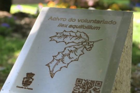 O Executivo de Padrón inviste na mellora da sinalización do Xardín Botánico-Artístico